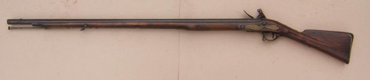 A VERY GOOD & SCARCE AMERICAN REVOLUTIONARY PATTERN 1768 SECOND MODEL/SHORTLAND BROWN BESS MUSKET, ca. 1770 view 2