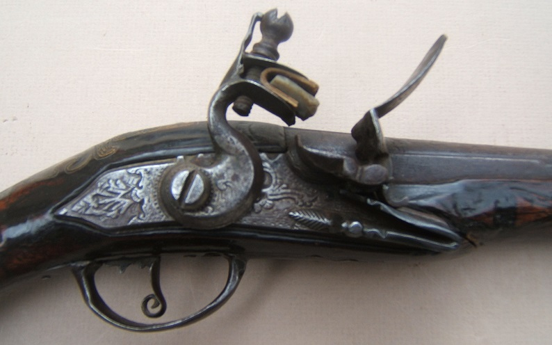A FINE QUALITY OTTOMAN TURKISH FLINTLOCK HOLSTER PISTOL, ca. 1810 view 3