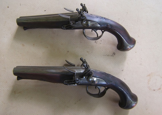 A VERY FINE & SCARCE PAIR OF REVOLUTIONARY WAR PERIOD FRENCH DOUBLE BARREL FLINTLOCK OFFICER'S PISTOLS, ca. 1760 view 2