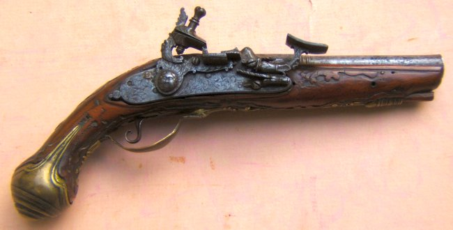A VERY GOOD CENTRAL BOLOGNESE ITALIAN SNAPHANCE POCKET PISTOL, ca. 1720s view 1