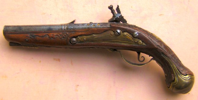 A VERY GOOD CENTRAL BOLOGNESE ITALIAN SNAPHANCE POCKET PISTOL, ca. 1720s view 2