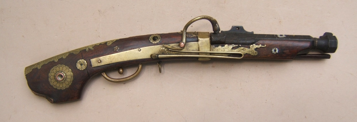 "A VERY FINE QUALITY EDO PERIOD JAPANESE SNAP MATCHLOCK ""TEMPLE"" PISTOL, ca. 1800 view 1"