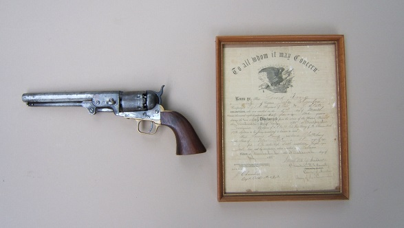 A VERY GOOD AMERICAN CIVIL WAR COLT 4th MODEL 1851 NAVY REVOLVER & CIVIL WAR DISCHARGE PAPERS, SN 118,XXX (Manuf. 1862) view 1