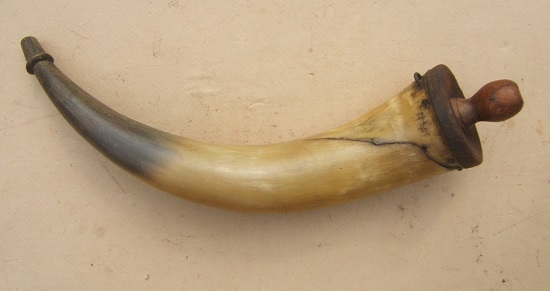 A GOOD AMERICAN REVOLUTIONARY WAR PERIOD MUSKET-SIZE POWDER HORN, ca. 1770 view 1
