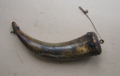A LARGE LATE 18TH/EARLY 19TH CENTURY COW HORN POWDER HORN, ca. 1780 view 1