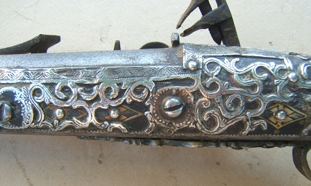 A VERY GOOD UNTOUCHED 19th CENTURY NORTH AFRICAN SILVER MOUNTED (MOROCCAN) SNAPHAUNCE KABYLE
