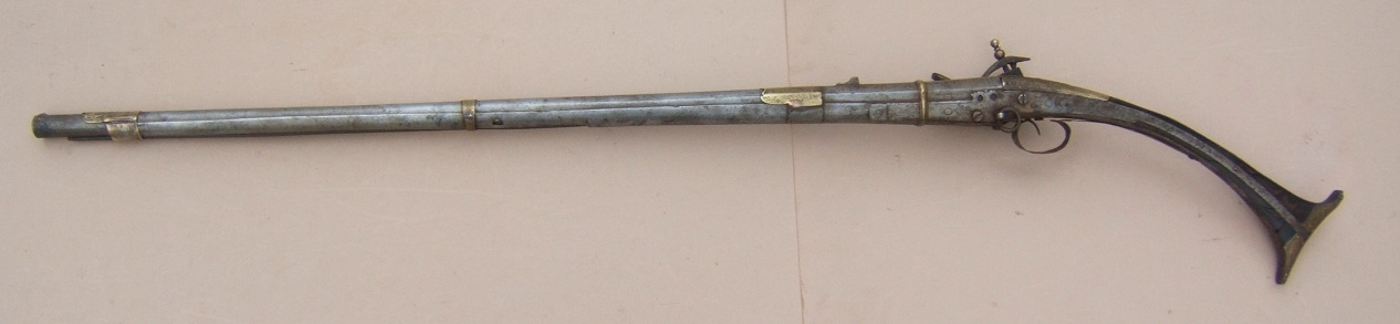 "A FINE QUALITY SMALL-SIZE ALBANIAN ""ALL-METAL"" MIQUELET LONG-GUN, ca. 1820 view2"