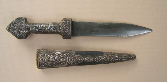 A VERY GOOD 19th CENTURY INDO-PERSIAN (SUFI) SILVER MOUNTED DOUBLE-EDGE DAGGER & MATCHING SCABBARD, ca. 1870 view1