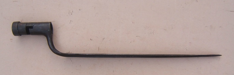 A VERY GOOD AMERICAN REVOLUTIONARY WAR PERIOD FRENCH Mdl. 1754 BAYONET, ca. 1763-1769 view 1