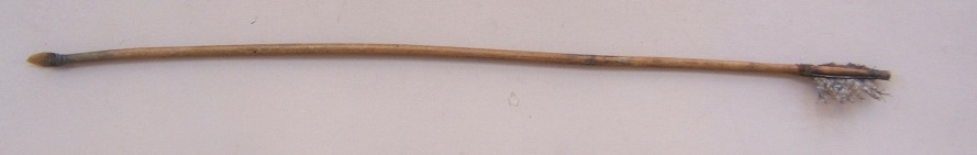 AN EARLY 19th CENTURY PLAINS INDIAN (SIOUX TYPE) ARROW, ca. 1840-1850 view 2