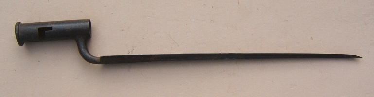 A VERY GOOD REVOLUTIONARY WAR PERIOD BROWN BESS BAYONET, ca. 1780 view 1