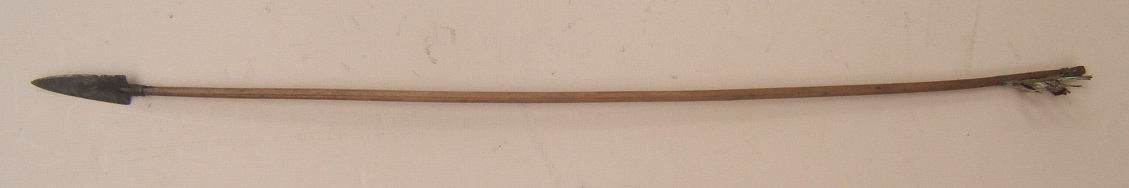 A FINE 19th CENTURY PLAINS INDIAN (SIOUX TYPE) ARROW, ca. 1850 view 1